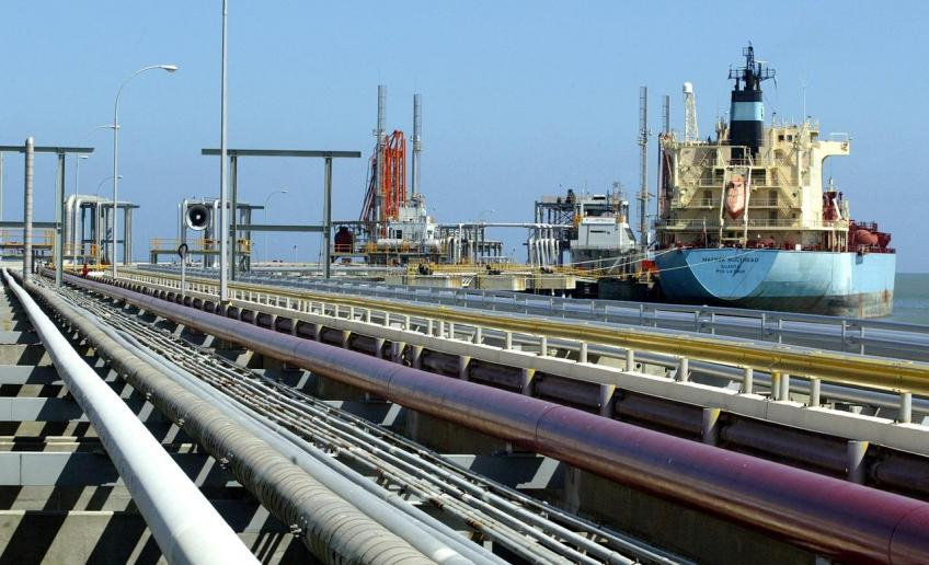 Venezuelan oil exports stable in March despite outage, sanctions