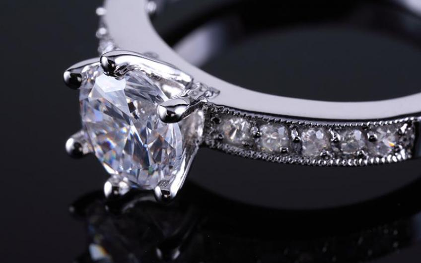 US government warns ads for lab-diamonds must be crystal clear