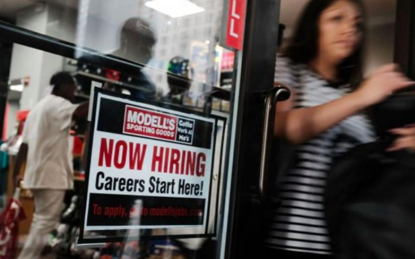 US jobless claims hit 49-years low, labor market bolsters