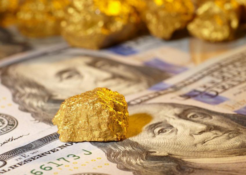 Precious Gold sinks more than 1 percent as strong data lifts dollar