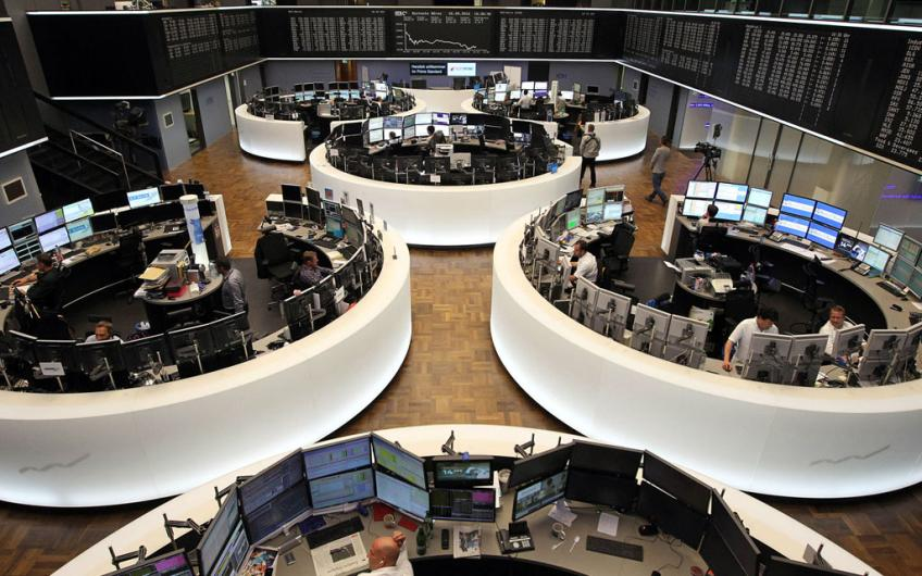 European shares rise for fifth straight day on financials' boost