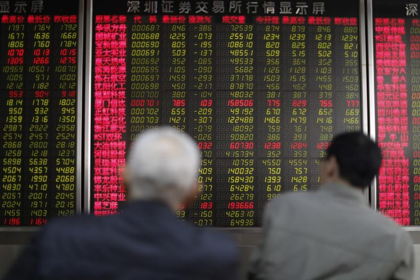 Global shares heaved by tech stocks despite accelerating trade tensions