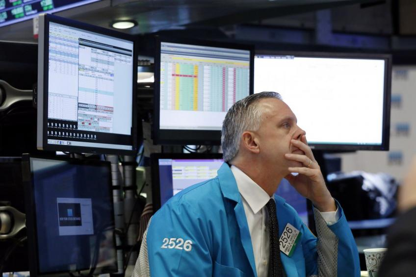 Global stocks jolted over worries of a protracted trade war