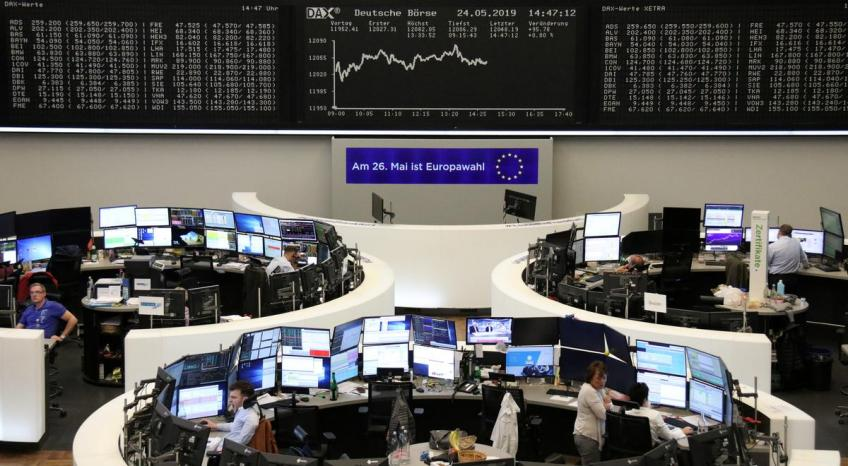 European shares recover early losses on healthcare gains