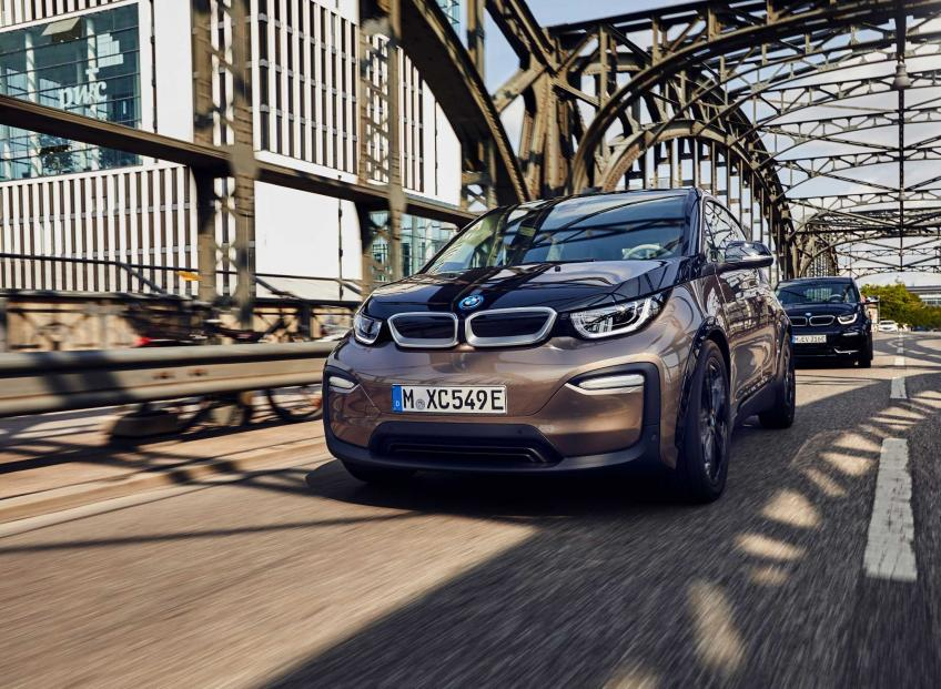 BMW to double up battery production capacity in the United States