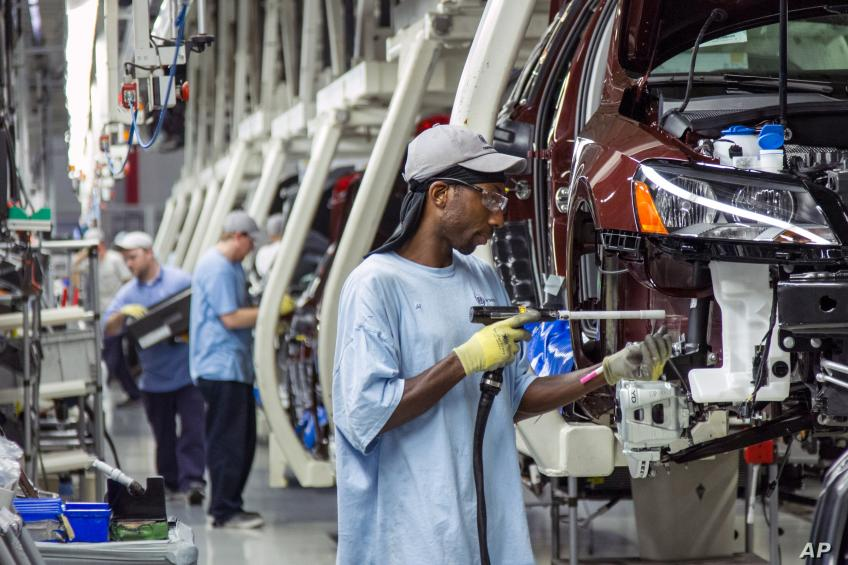 US labor cost moderates in second quarter, Midwest manufacturing dented