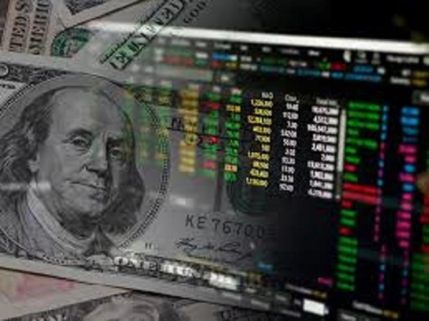 Early trade in New York: dollar modestly higher with eased trade tensions