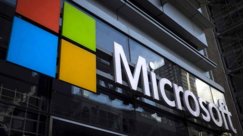 Microsoft's market value overhauls Apple's on week's closure