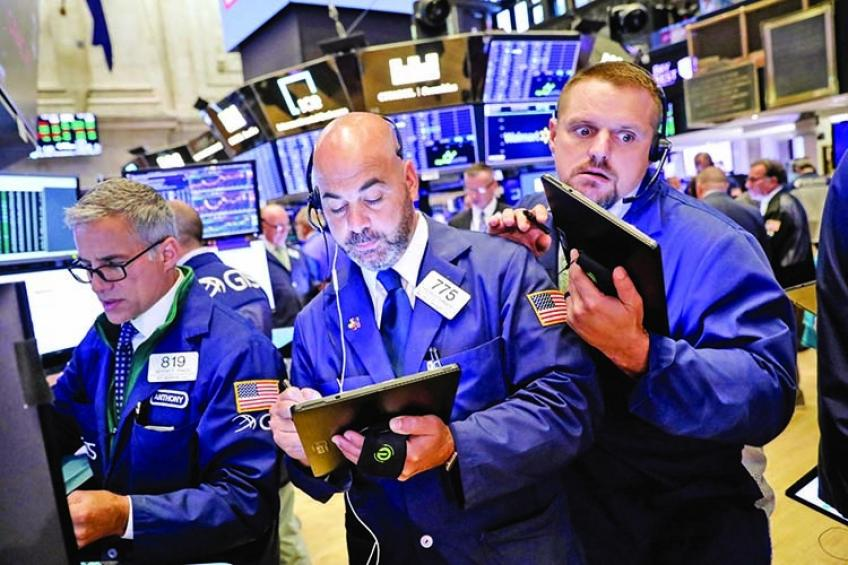 Wall St. barely gains after mixed employment data