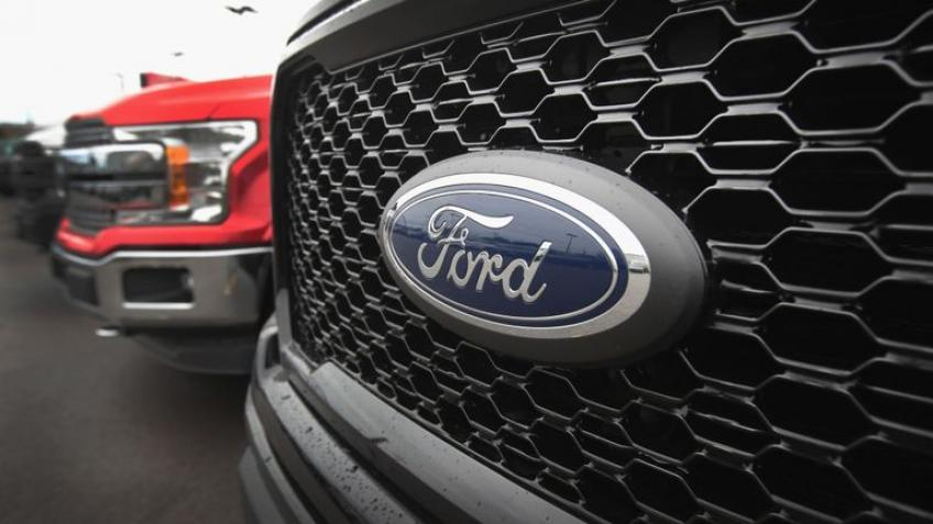 Ford, GM to press on electric trucks to outflank Tesla