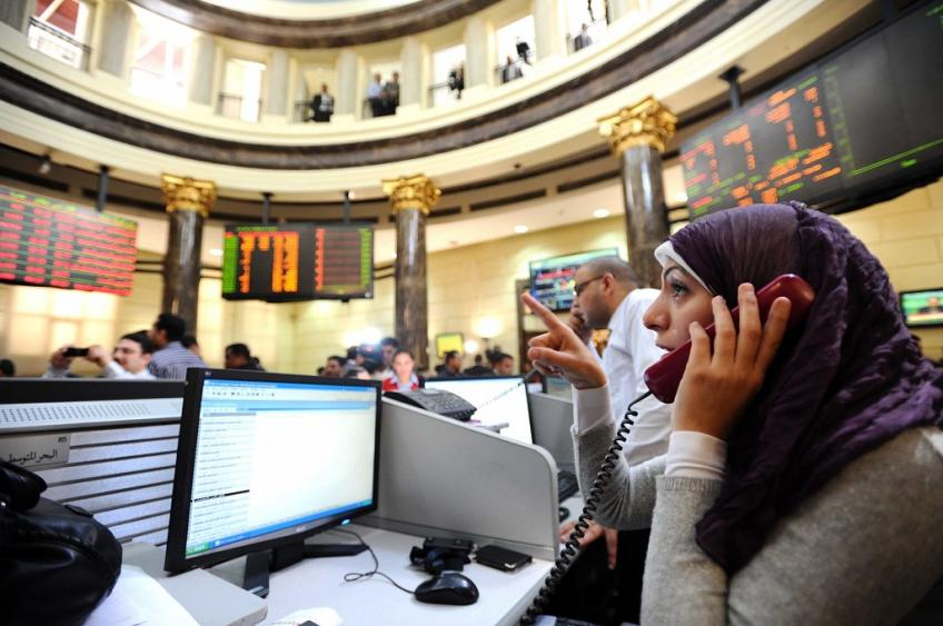 Egypt bourse falls to multi-year low amid protest, Gulf ends mostly lower