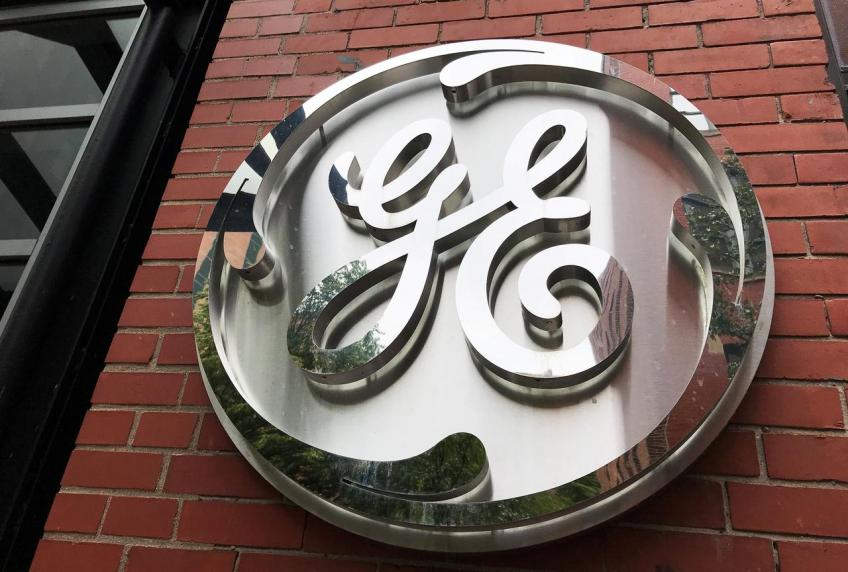 GE to freeze, pre-pay pensions to save up to $8 billion