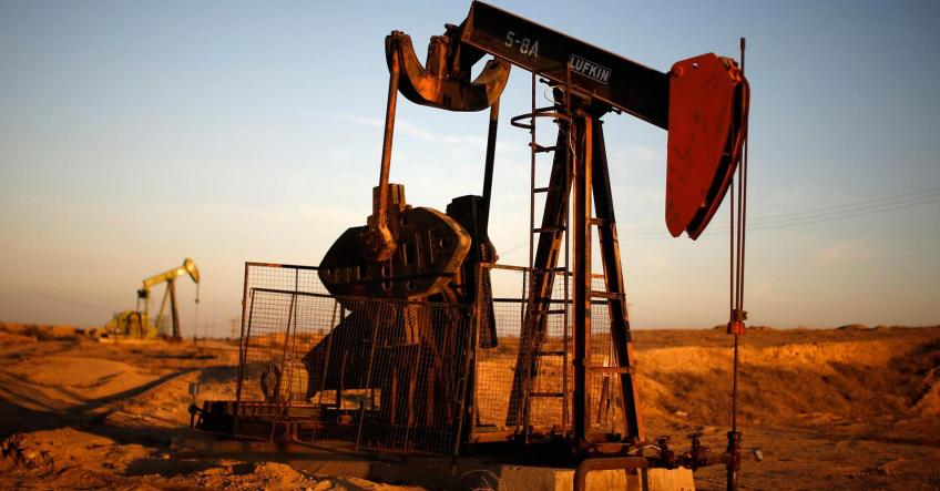 Crude oil inches lower as trade deal hopes wane