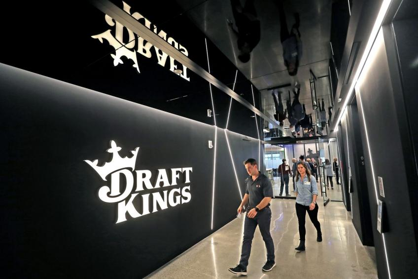 Diamonds Eagle in talks to buy fantasy sports provider DraftKings