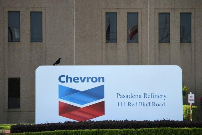 Exxon, Chevron Q3 earnings tottered on lower oil & gas prices