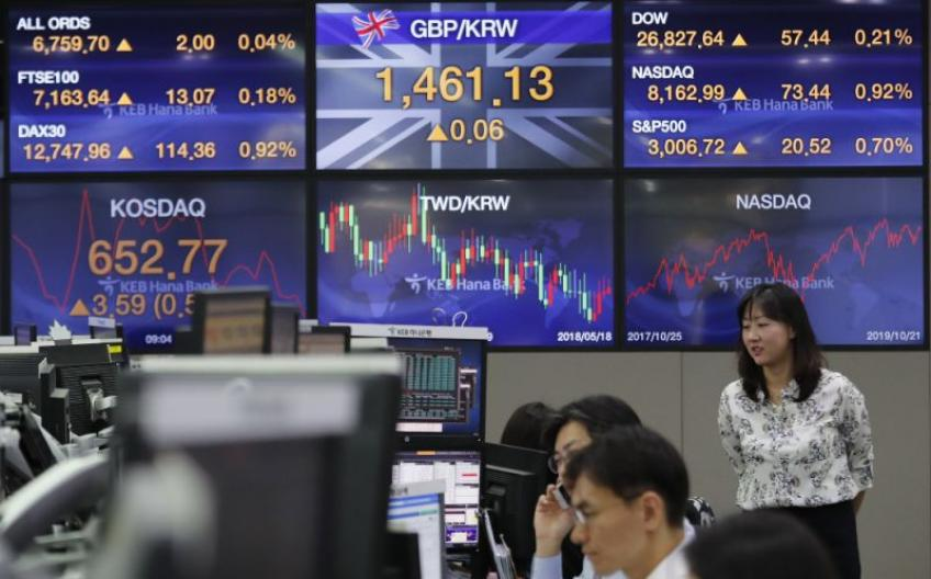 Global stocks revive over Kudlow's upbeat comment on Sino-US trade deal