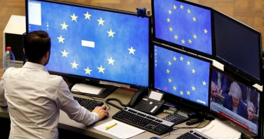 Positive trade sentiment heaves European shares higher