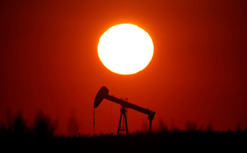 Crude Oil Rebounds but Gains Capped as Trade War Weighs on Demand