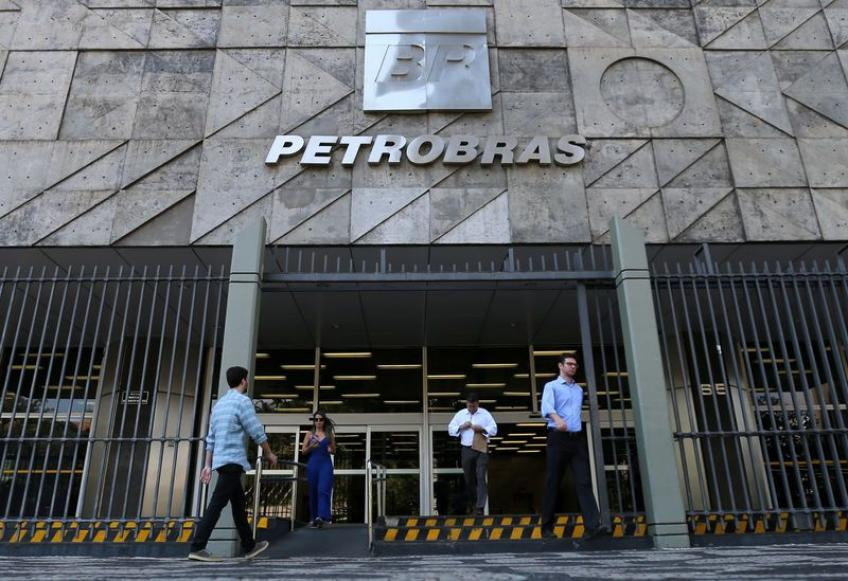 World's top oil-traders under investigation on bribing Brazilian Petrobras
