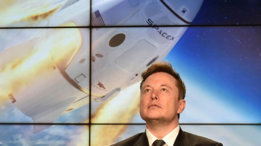 Elon Musk's SpaceX successfully simulates emergency landing