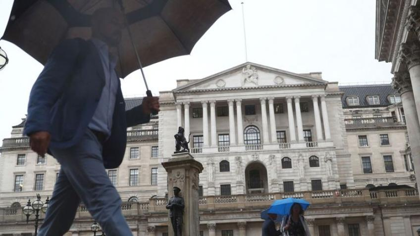Bank of England boosts European shares; recession fear remains