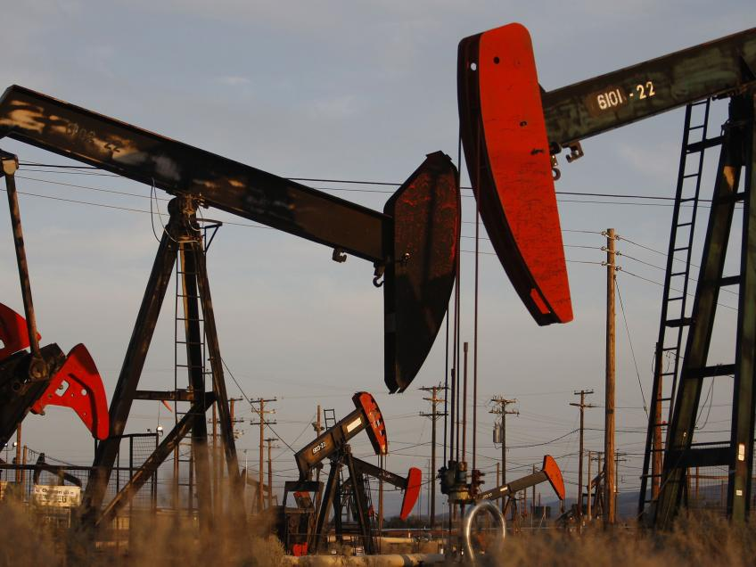 Russia blames Gulf for steep decline in oil prices, likely Texas Shales' bankruptcies