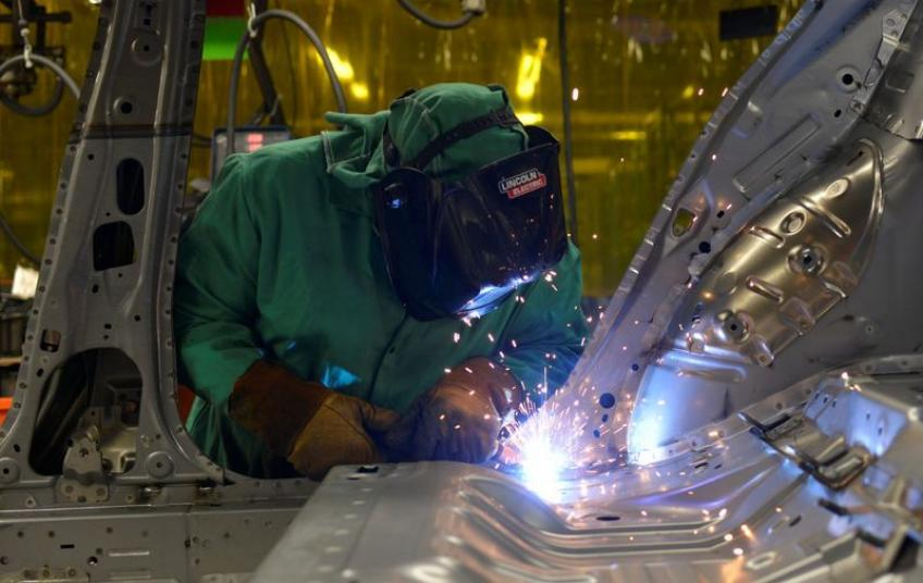 US manufacturing output posts steepest rout since 1946