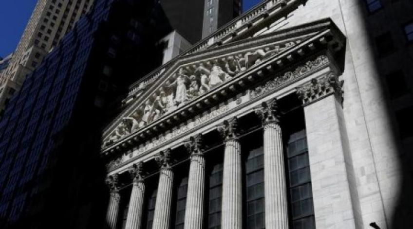 Wall St. extends losses on dour economic data, downcast corporate earnings