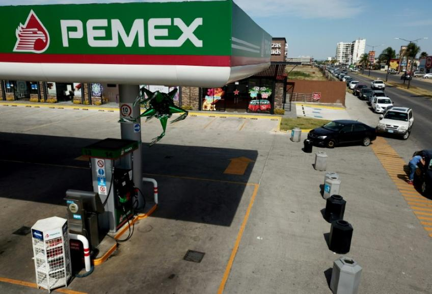 Pemex debt slashed to junk as Moody's downgrades Mexico's sovereign credit rating