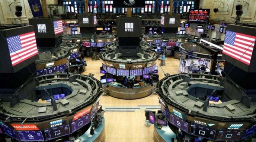 Wall St. ekes out gains on Boeing surge, hopes of pandemic drug trials