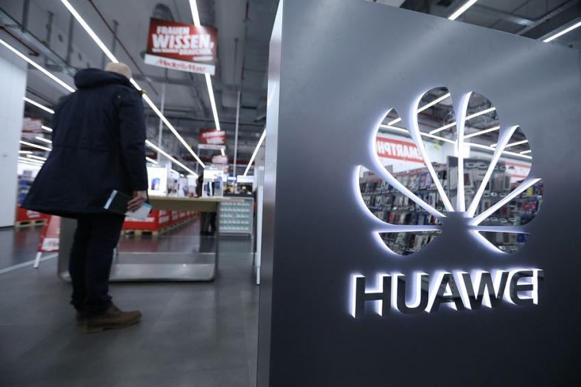 Washington to allow Huawei to work with US companies on 5G & other standards