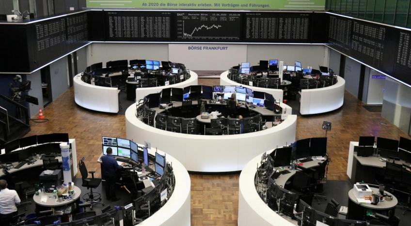 European shares end higher as hopes remain for recovery plan
