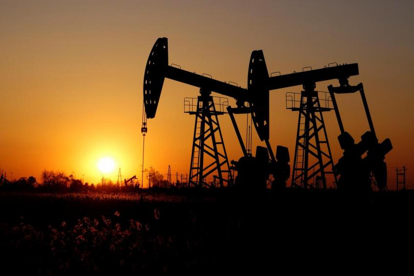 Oil nosedives over 5% as US crude inventories hit record, pandemic worries mount