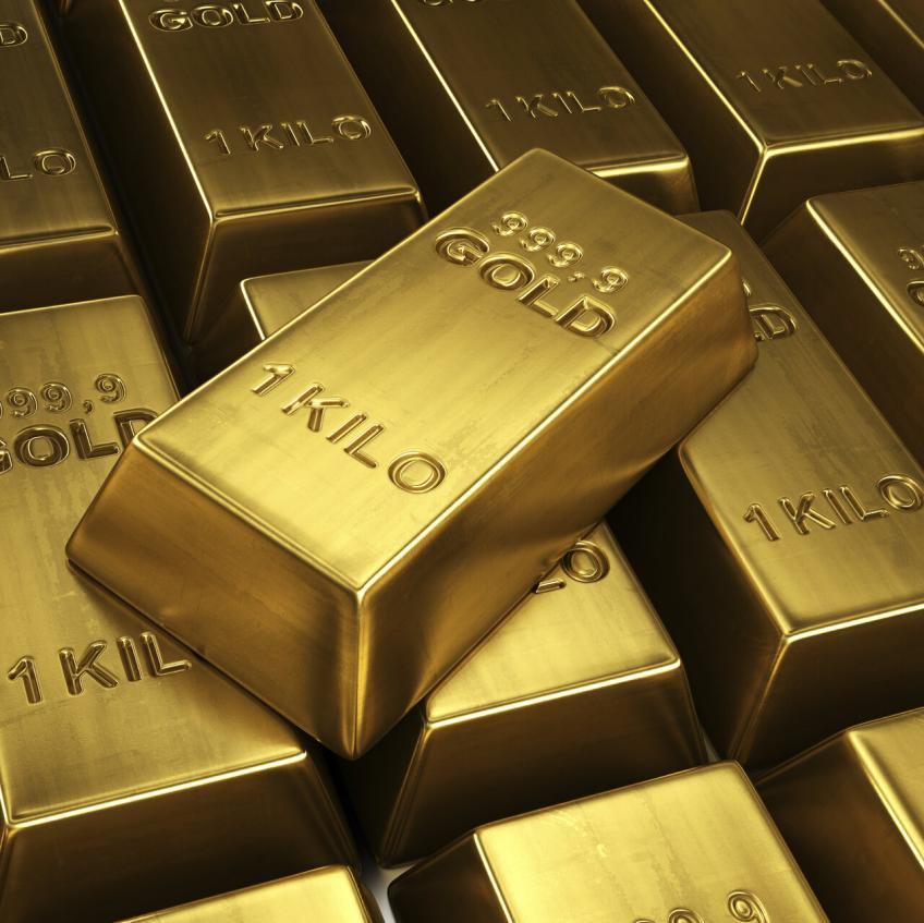 Gold nears $1,900 an ounce on renewed US-China spat, equity market weakness