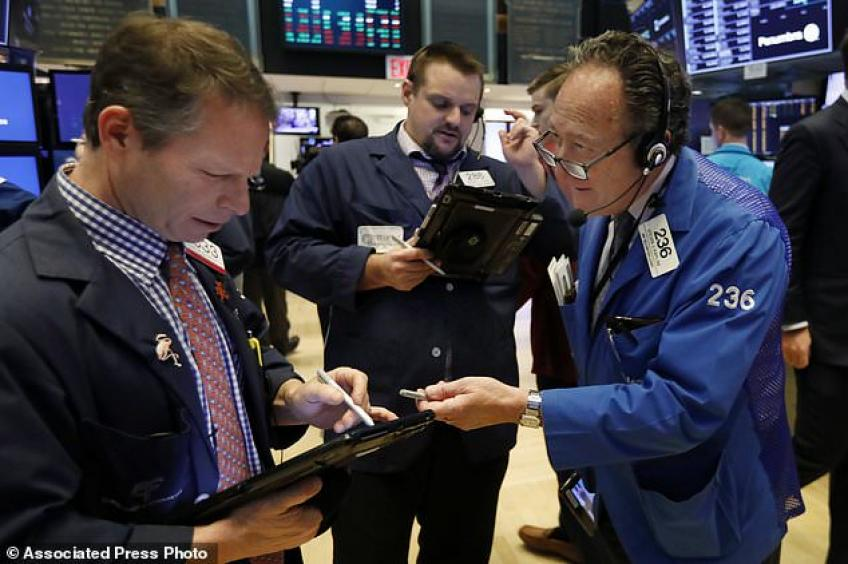 Wall St. sickens again after a solid start, as Chinese PMI faltered