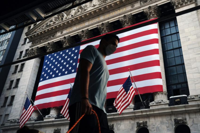 Wall St. slumped as pandemic cases rise, stimulus hope fades