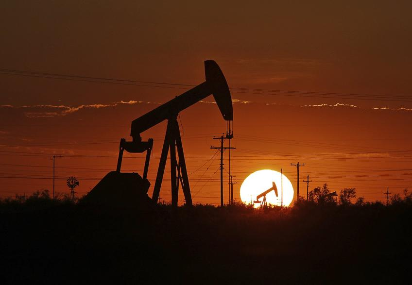Crude oil woes 3% on pandemic resurgence, Libyan output rebound