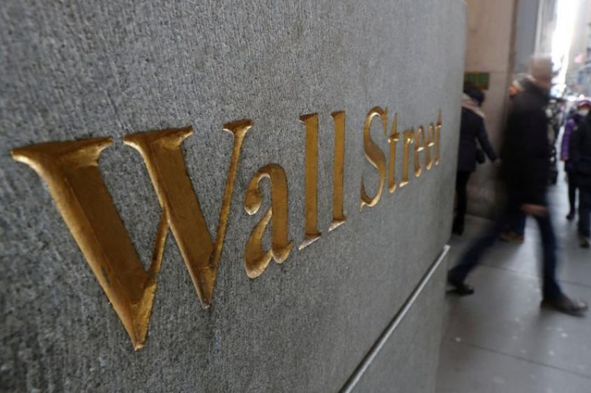 Wall St. claws back as market eyes strong US data, Q3 tech earnings