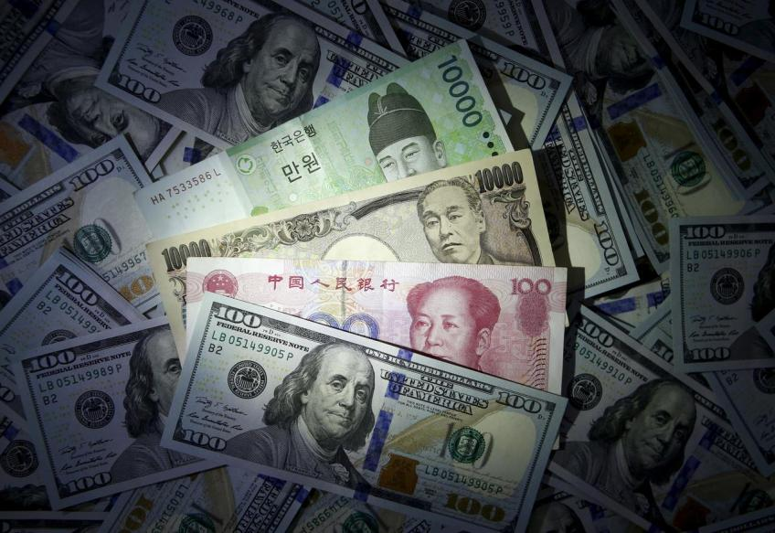 Safe-haven Japanese yen rebounds, Aussie gains as markets re-evaluate pandemic risk
