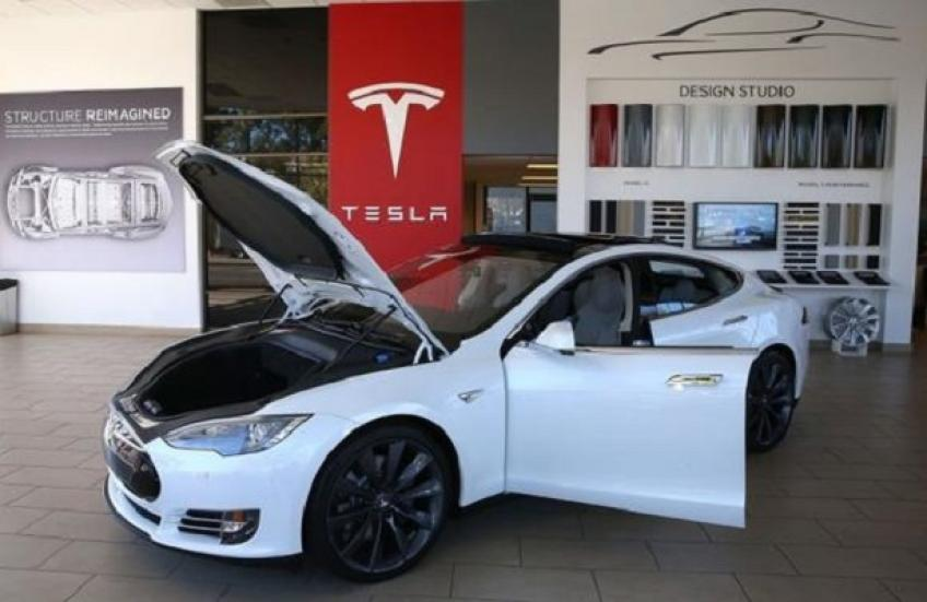 Palo Alto's Tesla probed on 115,000 Model S & X vehicles' suspension safety issue