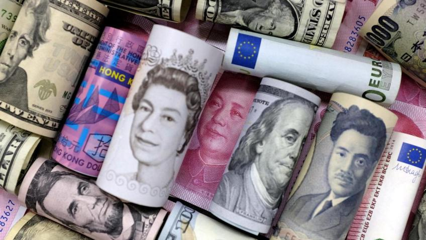 US Dollar snaps four-day long losing streak; but wilts over 1% in the week