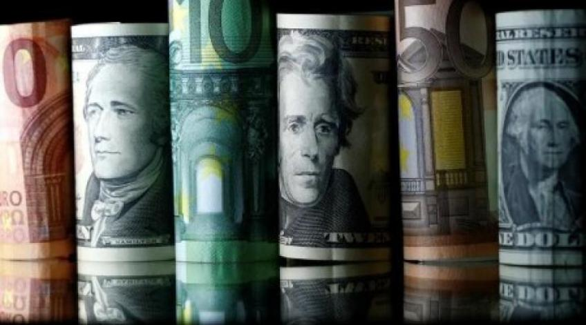 Euro crushes yen, sterling as Brexit, US stimulus boost up risk appetite