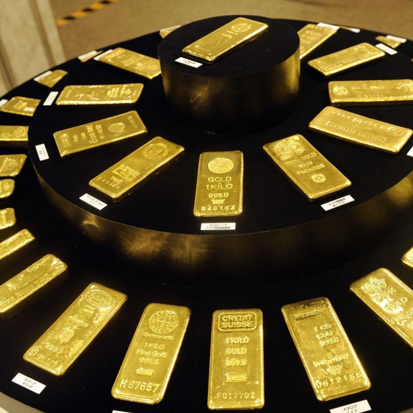 Precious gold jumps more than 2 per cent as American Dollar slips to 2-1/2-year lows