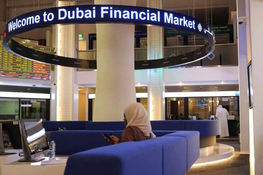 Most Gulf markets end in red, Kuwait rises as C. Bank allows lenders to pay dividends