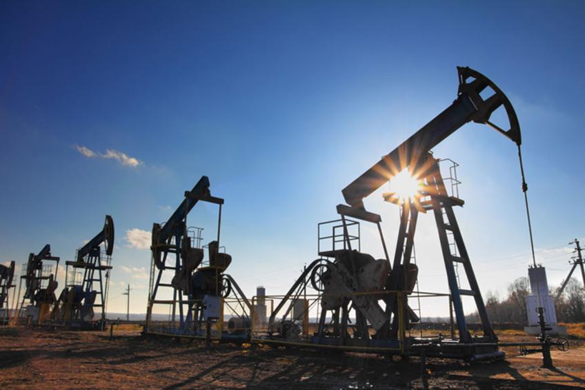 Crude oil cruises more than 5% in the week on US stimulus hope, squeezed supplies