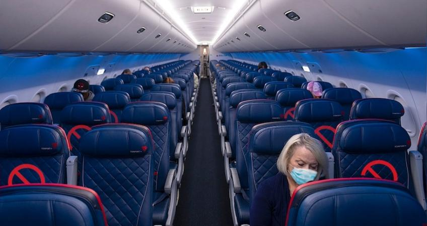 US airline passenger traffics tumble 60.1% in 2020, fall to lowest since 1984
