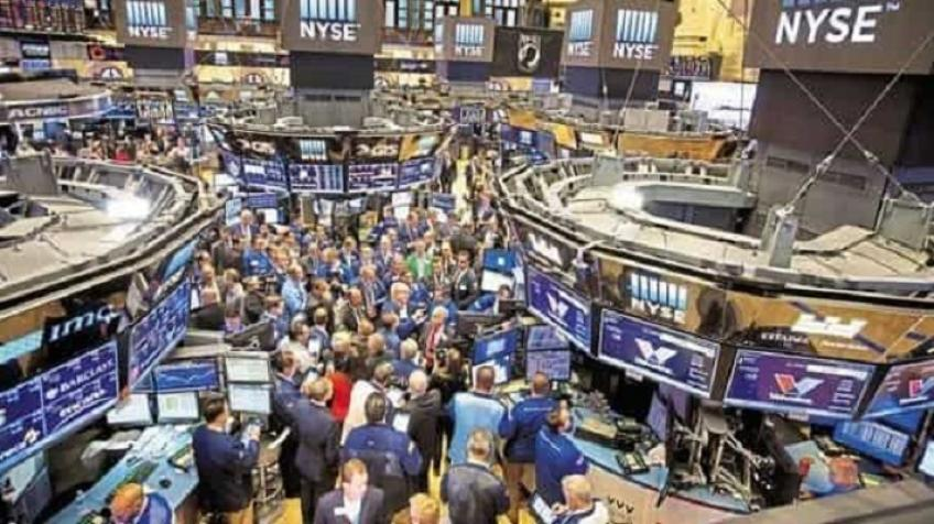 Wall Street snowballs as S&P 500 posts strongest intra-session rise since June