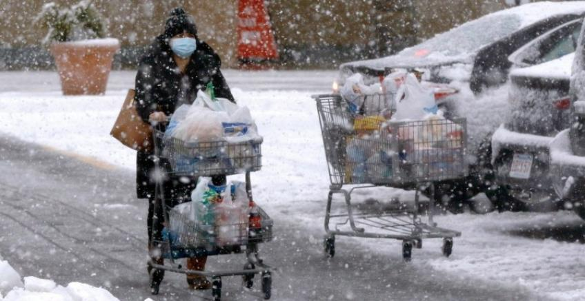 US Consumer spending, income temporarily fall ahead of massive fiscal stimulus