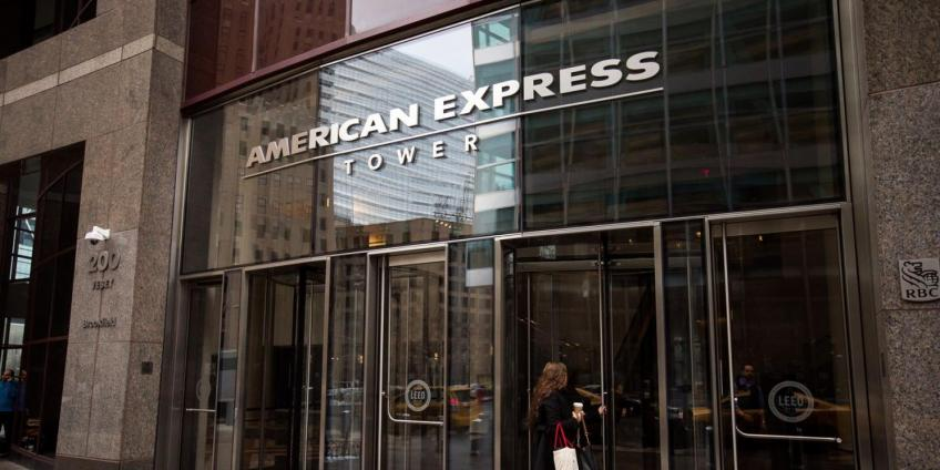 Manhattan's American Express profit beats estimate, says credit spending declines