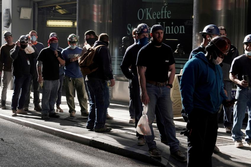 US non-farm payrolls slack off as businesses scramble for worker, raw material